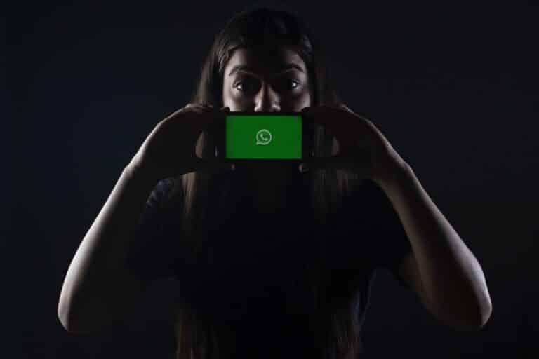 indenização por WhatsApp clonado